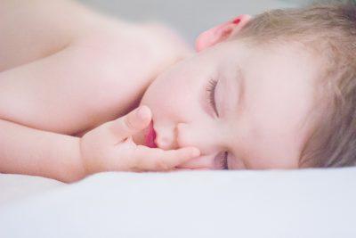 De ce iubesc să îmi adorm eu copilul