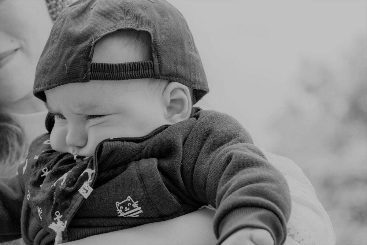 Să nu ne lăsăm copiii să plângă. O să tot aibă timp…