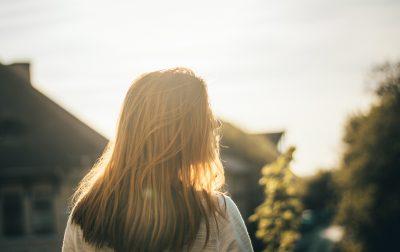 Povestea mamei care a aşteptat 13 ani să îşi întâlnească minunea