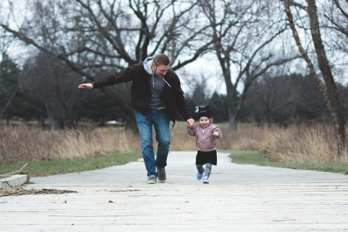 Să ne privim copiii și să învățam 7 lucruri esențiale de la ei