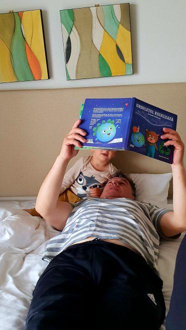 Secretul nostru. De ce stă copilul meu să citim zeci de minute în şir