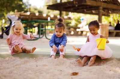 Mama care a aşteptat 9 ani să îşi cunoască tripleţii * #Suntouptătoare